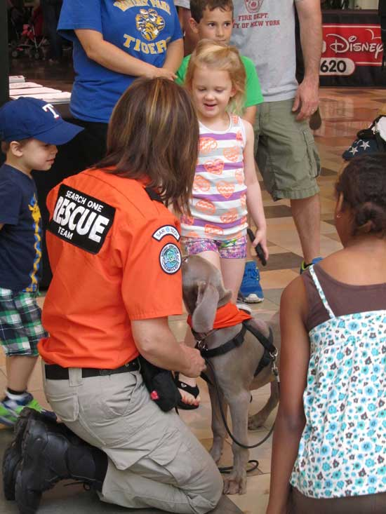 Audrey and Amala with kids - Search One Rescue Team - Dallas Ft. Worth K9 Search and Rescue